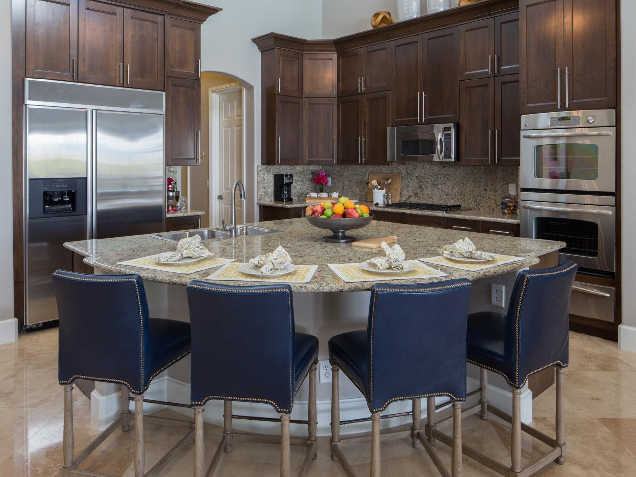 8 Key Considerations When Designing a Kitchen Island